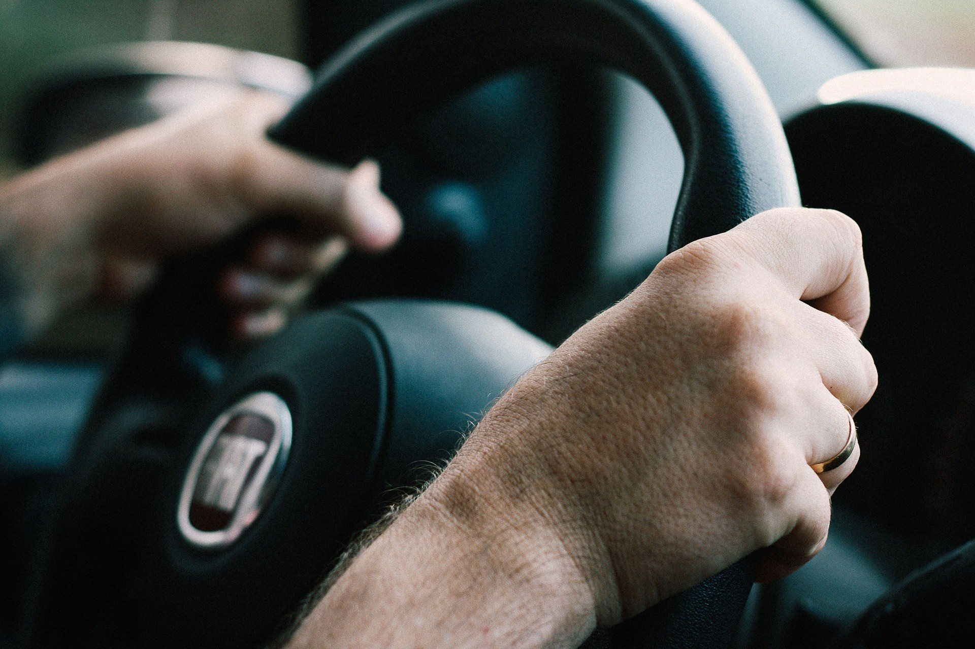 Tips to improve your driving posture